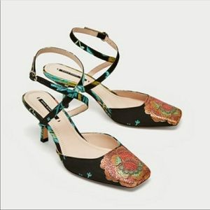 NWOT Zara Embroidered Jacquard Kitten Heels